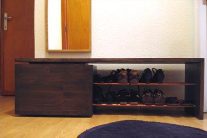 A la fois banc coffre et rangement pour chaussures les for Meuble coffre rangement chaussures fonction banc